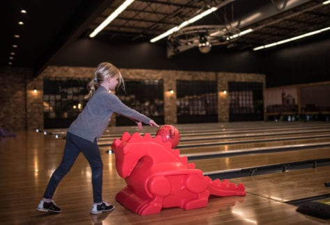 Bowling at Pinheads Entertainment Center