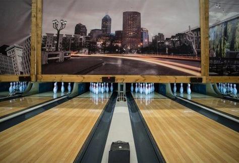 bowling-lanes-straight-bg